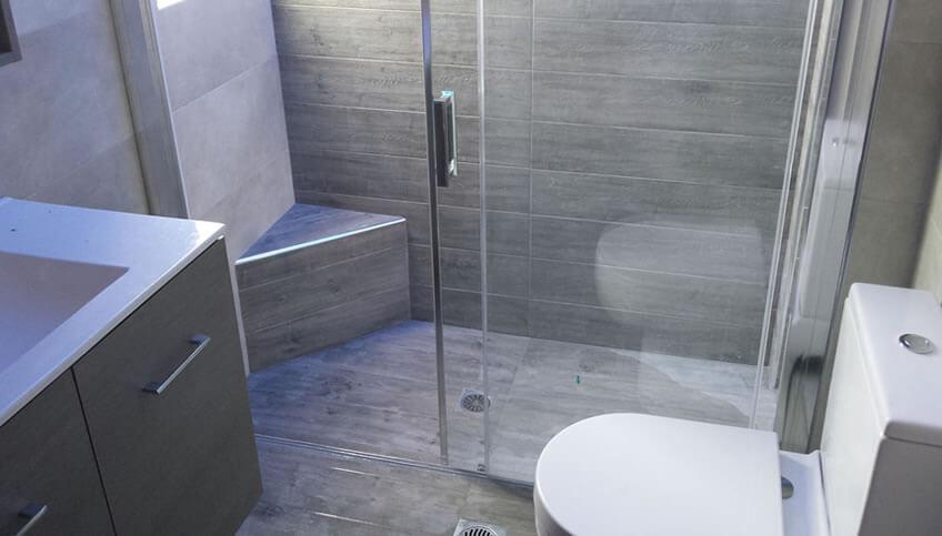 Ανακαίνιση μπάνιου στην Αγια Παρασκευή