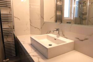 Ανακαίνιση στο Μαρούσι Μοντέρνο Μπάνιο